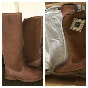 New Frye Leather Boots Women's size 6